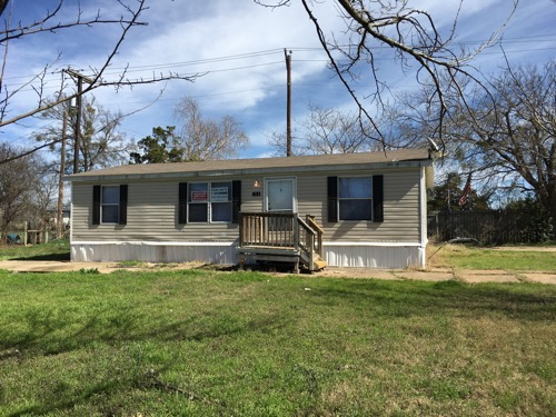 3/2 Carriage Doublewide Mobile Home On 0.50 Acres In Belton, Texas – $49,900