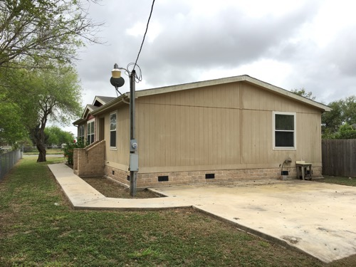 3/2 Classic Doublewide Mobile Home On 0.16 Acres In Sebastian, Texas – $69,900