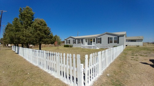 3/2 American Doublewide Mobile Home On 0.62 Acres In Plainview, Texas – $79,000
