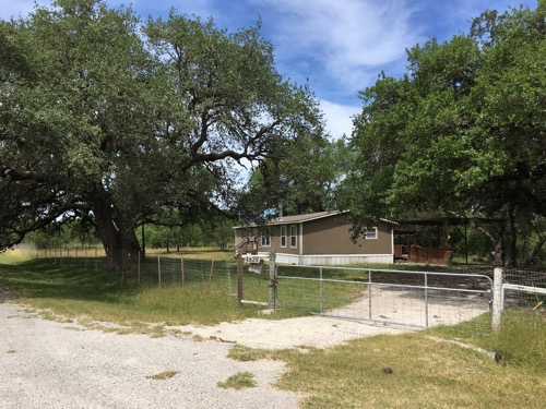 4/2 Pinehurst Doublewide Mobile Home On 3.69 Acres In Beeville, Texas – $119,900